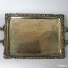 Antigüedades: BANDEJA CON ASAS METAL PLATEADO . Lote 165727374