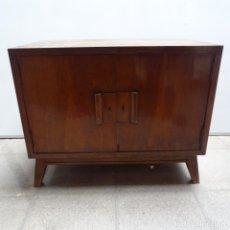 Antigüedades: ANTIGUO MUEBLE DE DISCOS.. Lote 171588554