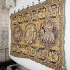 Antigüedades: ANTIGUO TAPIZ BIRMANO. Lote 165757166