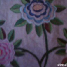 Antigüedades: ~~~~ ESPECTACULAR COLCHA DE NOVIA EN LIENZO DE LINO BORDADA, REMATADA Y CON ENTREDOS DE CROCHET~~~~. Lote 165773394