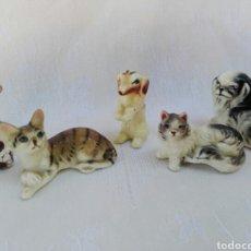 Antigüedades: LOTE ANIMALES DE PORCELANA EN MINIATURA, RARA JIRAFA, GATOS , PERROS POSIBLEMENTE MADE IN JAPAN.. Lote 165824341