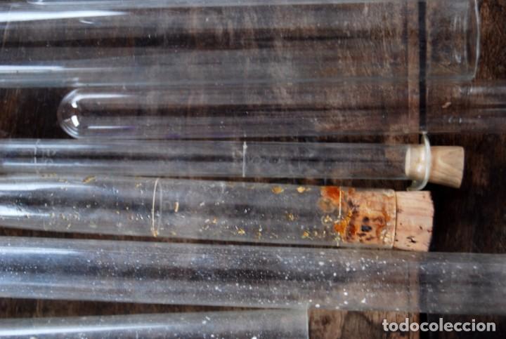 Antigüedades: LOTE DE 22 TUBOS DE ENSAYO Y PROBETAS MATERIAL DE LABORATORIO, FARMACIA CRISTAL SOPLADO AÑOS 20-30 - Foto 16 - 165861374