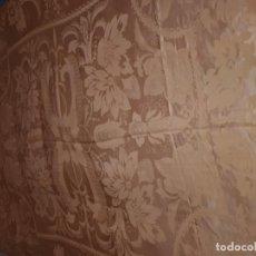 Antigüedades: COLCHA ANTIGUA DAMASCO AMARILLA. Lote 165862874