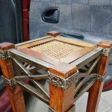 Antigüedades: PEDESTAL-TABURETE-BANQUETA-PEANA DE MADERA MACIZA Y METAL PORTAMACETAS,. Lote 165877434