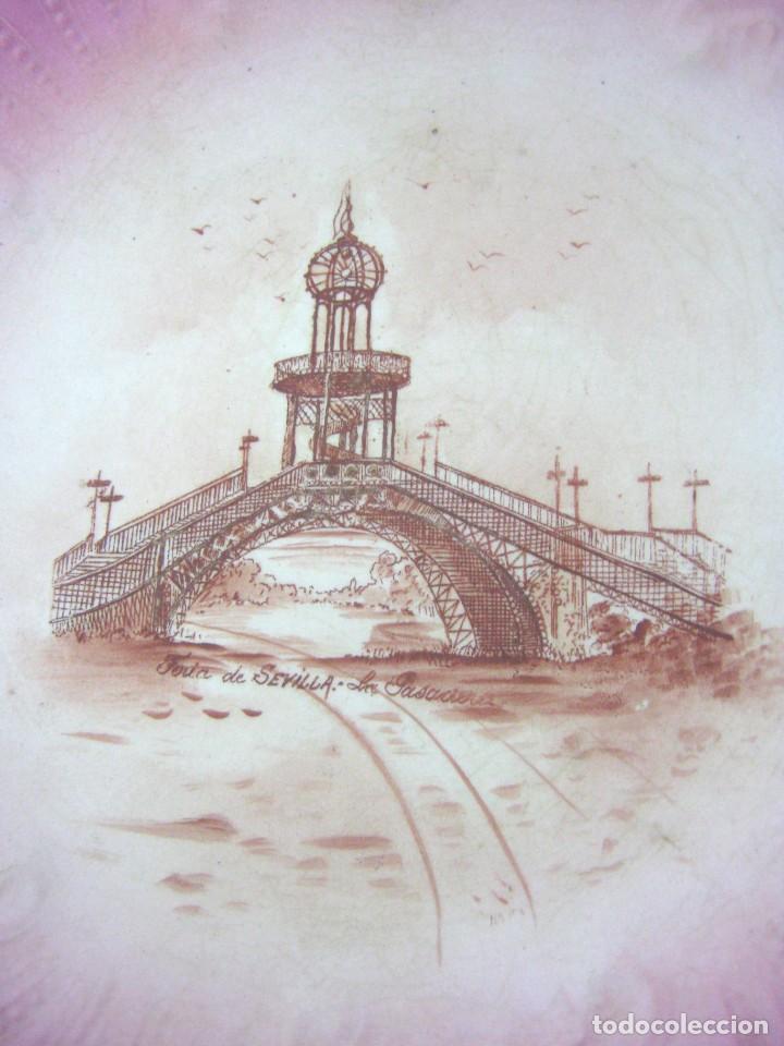 Antigüedades: Lote 3 antiguos platos modernistas con vistas de Sevilla - Pasarela Alameda Hercules Puente Triana - Foto 7 - 165885706