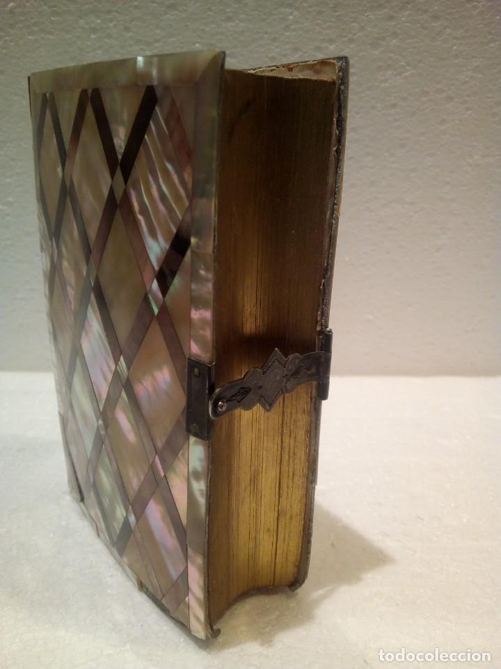 Antigüedades: Misal en nácar con cierre en plata año 1873 - Foto 5 - 165886506