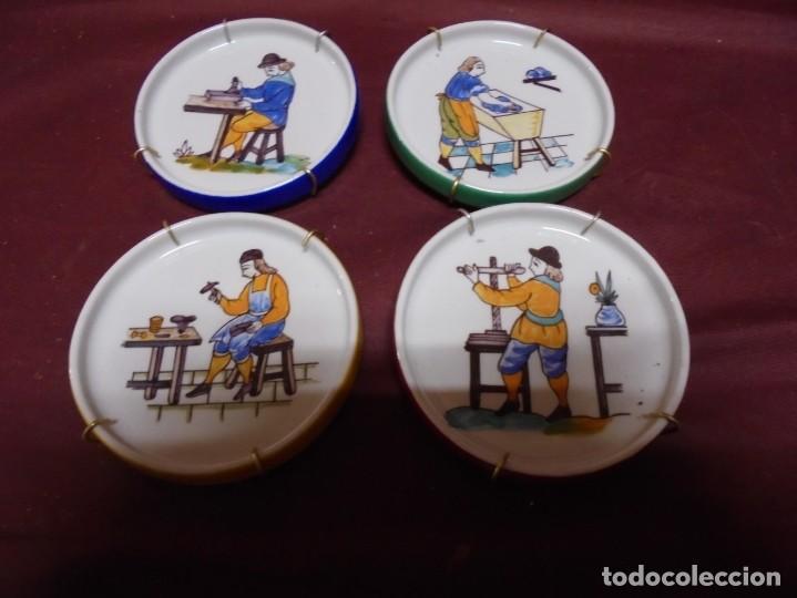 MAGNIFICOS CUATRO PLATOS EN PORCELANA ESCENAS DE OFICIOS PINTADOS A MANO (Antigüedades - Porcelanas y Cerámicas - Otras)