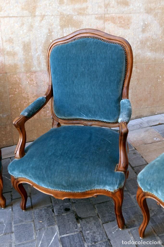 Antigüedades: Precioso conjunto de tresillo 2 butacas y 2 sillas. Totalmente restauradas, terciopelo azul - Foto 3 - 165895414