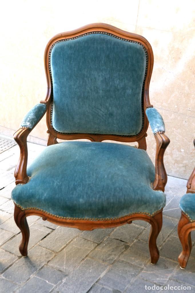 Antigüedades: Precioso conjunto de tresillo 2 butacas y 2 sillas. Totalmente restauradas, terciopelo azul - Foto 5 - 165895414