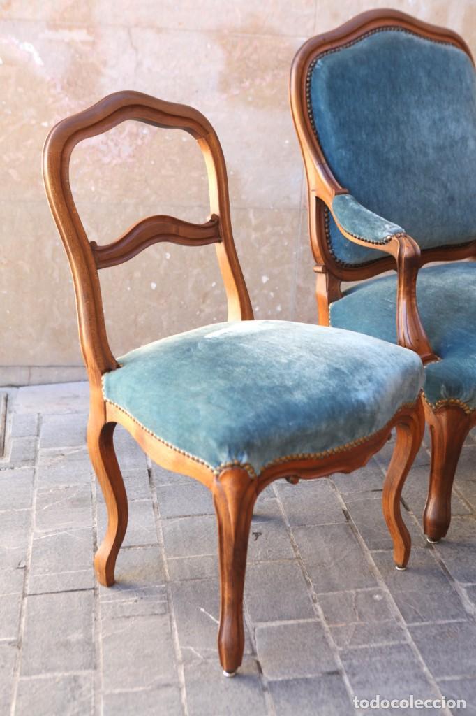Antigüedades: Precioso conjunto de tresillo 2 butacas y 2 sillas. Totalmente restauradas, terciopelo azul - Foto 6 - 165895414