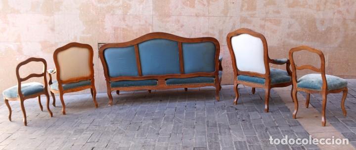 Antigüedades: Precioso conjunto de tresillo 2 butacas y 2 sillas. Totalmente restauradas, terciopelo azul - Foto 11 - 165895414