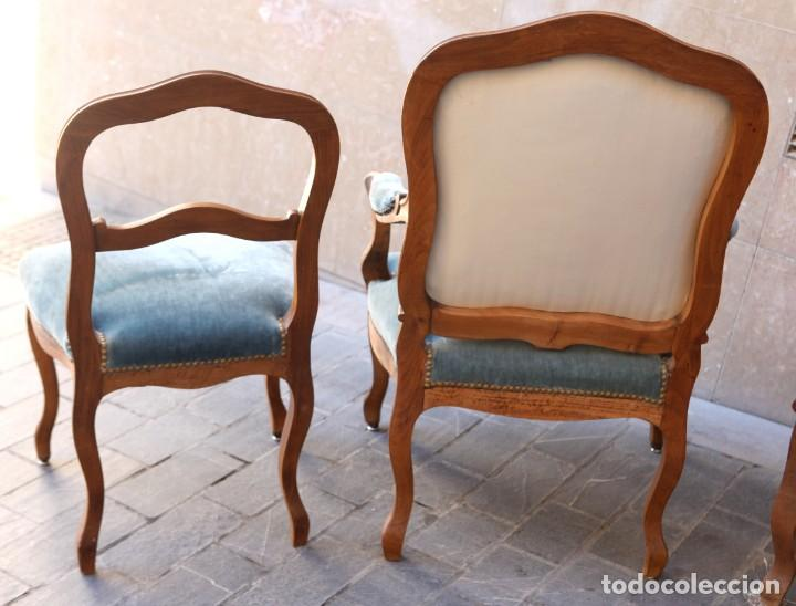 Antigüedades: Precioso conjunto de tresillo 2 butacas y 2 sillas. Totalmente restauradas, terciopelo azul - Foto 16 - 165895414