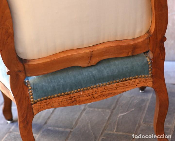 Antigüedades: Precioso conjunto de tresillo 2 butacas y 2 sillas. Totalmente restauradas, terciopelo azul - Foto 17 - 165895414