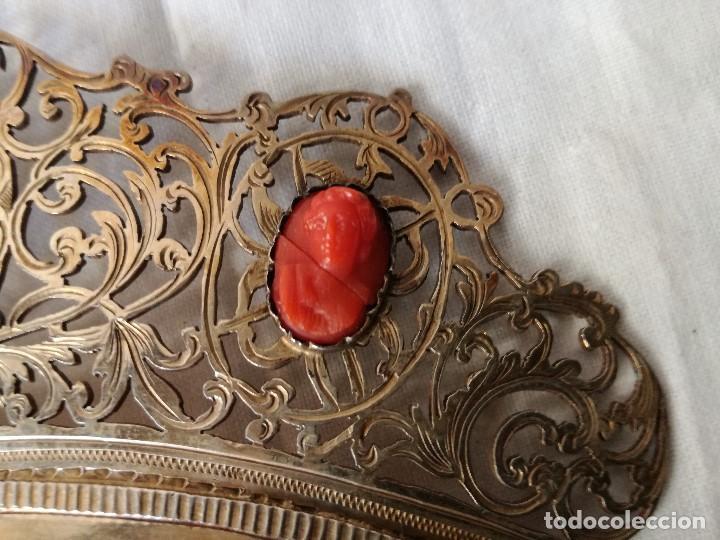 Antigüedades: IMPORTANTE PEINETA ISABELINA EN PLATA Y CAMAFEOS DE CORAL MEDITERRANEO. SIGLO XIX. - Foto 5 - 165923370