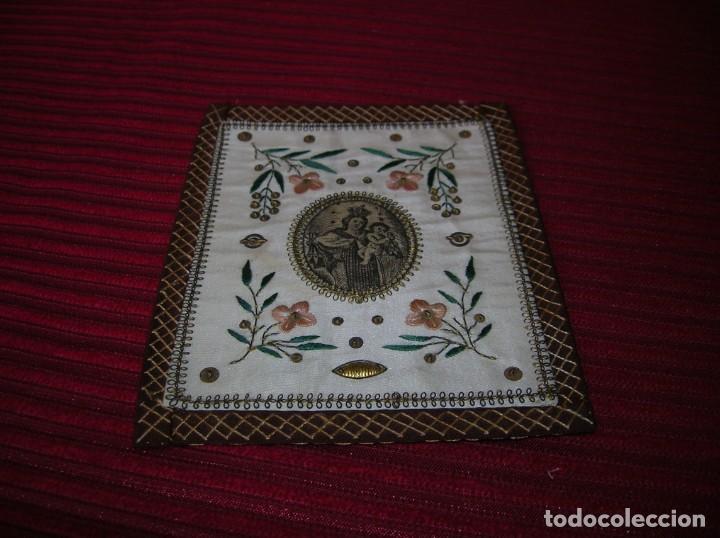Antigüedades: Precioso escapulario bordado a mano .Virgen del Carmen.Muy antiguo. - Foto 3 - 165948990