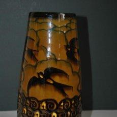 Antigüedades: PRECIOSO JARRÓN DE CERÁMICA - GOLONDRINAS - FLORERO - ART DÉCO - AÑOS 30. Lote 165954790