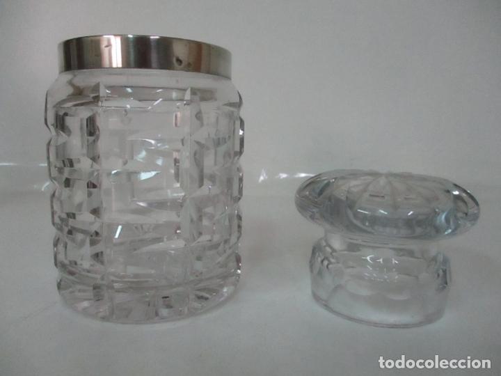 Antigüedades: Bonito Bote, Frasco - Cristal Tallado - Cuello de Plata de Ley, con Contrastes - Años 50 - Foto 2 - 165964742
