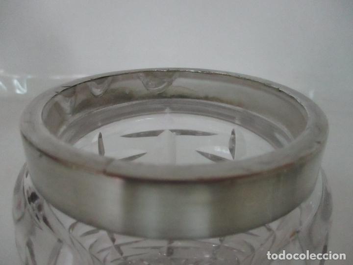 Antigüedades: Bonito Bote, Frasco - Cristal Tallado - Cuello de Plata de Ley, con Contrastes - Años 50 - Foto 3 - 165964742