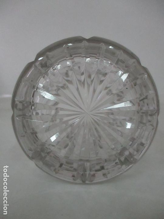 Antigüedades: Bonito Bote, Frasco - Cristal Tallado - Cuello de Plata de Ley, con Contrastes - Años 50 - Foto 8 - 165964742