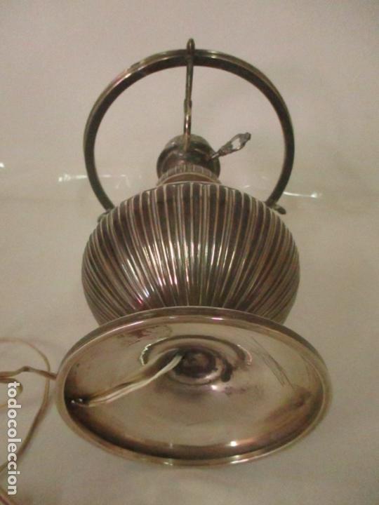 Antigüedades: Preciosa Lámpara Sobremesa, Quinque - Pie en Plata de Ley, con Contrastes -Tulipa Cristal Opalina - Foto 13 - 165984446