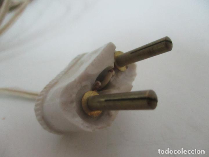 Antigüedades: Preciosa Lámpara Sobremesa, Quinque - Pie en Plata de Ley, con Contrastes -Tulipa Cristal Opalina - Foto 15 - 165984446