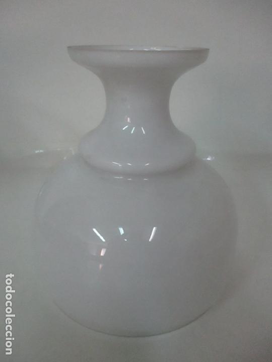 Antigüedades: Preciosa Lámpara Sobremesa, Quinque - Pie en Plata de Ley, con Contrastes -Tulipa Cristal Opalina - Foto 22 - 165984446