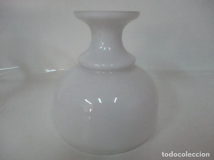 Antigüedades: Preciosa Lámpara Sobremesa, Quinque - Pie en Plata de Ley, con Contrastes -Tulipa Cristal Opalina - Foto 26 - 165984446