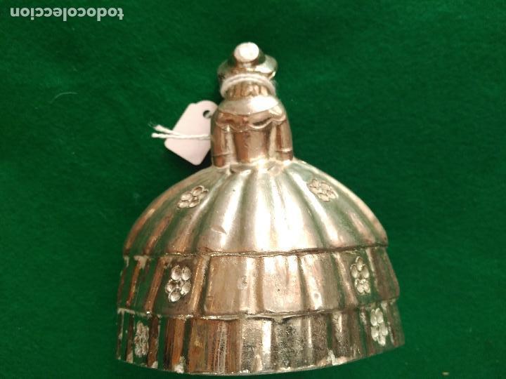Antigüedades: dama epoca ANTIGUA CAMPANA EN LATON CROMADO PARA LLAMAR AL SERVICIO 220 gm 9,5 X 8 cm - Foto 2 - 166011122