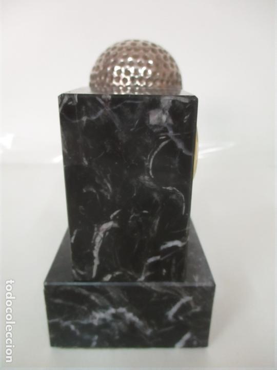 Antigüedades: Decorativo Reloj - con Bola de Golf en Plata de Ley, con Contrastes - Peana de Mármol - Foto 4 - 166013058