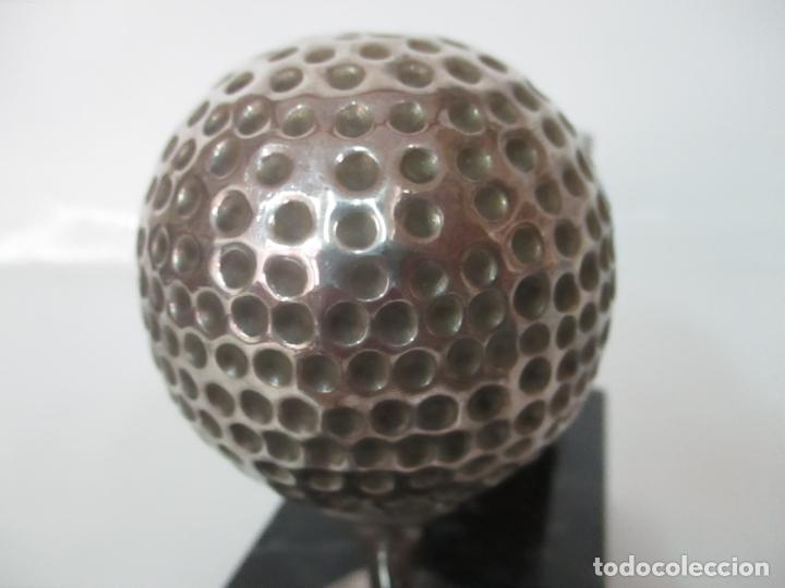 Antigüedades: Decorativo Reloj - con Bola de Golf en Plata de Ley, con Contrastes - Peana de Mármol - Foto 10 - 166013058