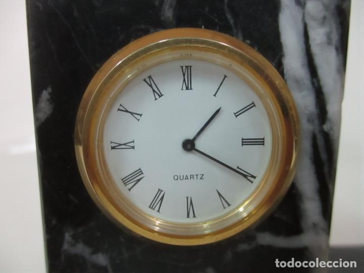 Antigüedades: Decorativo Reloj - con Bola de Golf en Plata de Ley, con Contrastes - Peana de Mármol - Foto 14 - 166013058