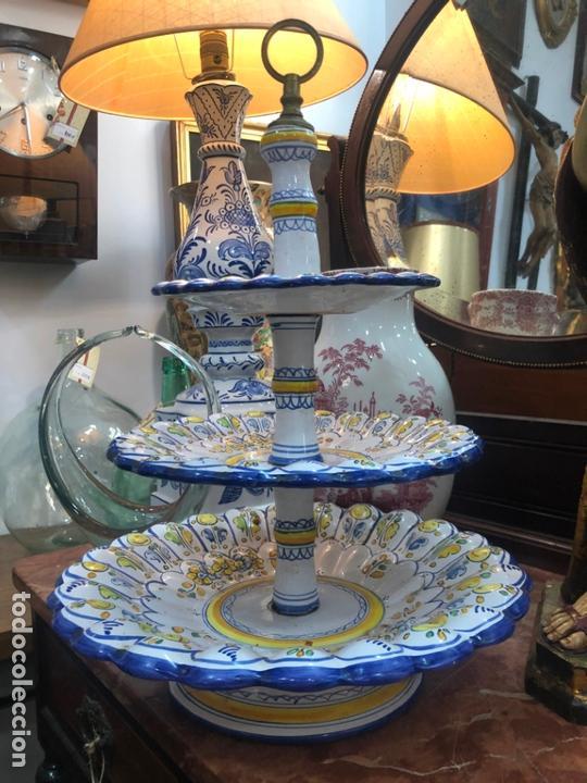 PRECIOSO FRUTERO CERAMICA TALAVERA DE TRES PISOS - (Antigüedades - Porcelanas y Cerámicas - Talavera)