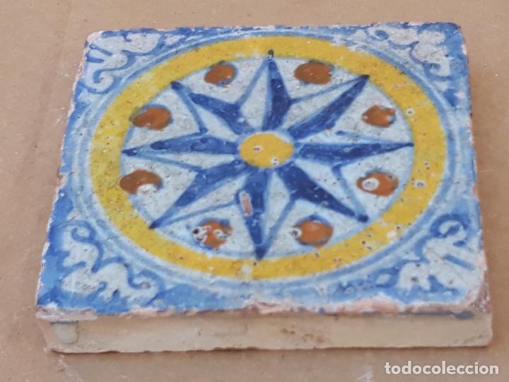 AZULEJO ANTIGUO DE TALAVERA / TOLEDO - HOLAMBRILLA - TECNICA LISA -SIGLO XVII. (Antigüedades - Porcelanas y Cerámicas - Talavera)