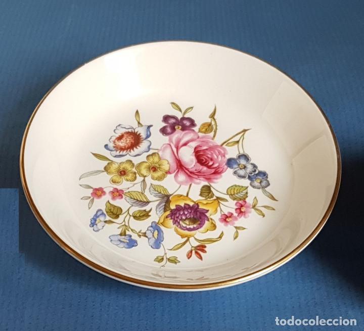 PLATITO DE PORCELANA INGLESA DE ROYAL WORCESTER (Antigüedades - Porcelanas y Cerámicas - Inglesa, Bristol y Otros)