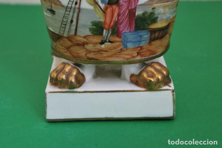 Antigüedades: EXCELENTE TIBOR DE PORCELANA - SIGLO XVIII - PATAS DE GARRA - ASAS CABEZA NIÑO - MARCA EN BASE - Foto 2 - 166094738