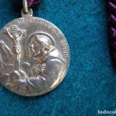 Antigüedades: MEDALLA ANTIGUA CON CORDON SAN FRANCISCO DE NOBIS . Lote 166105034