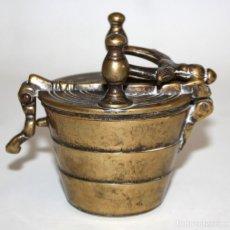 Antigüedades: ANTIGUO PONDERAL EN BRONCE DE FINALES DEL SIGLO XVIII. COMPLETO. Lote 166137406