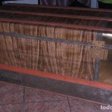 Antigüedades: BAÚL TRANSOCEÁNICO 110 X 54 X 52 CM. 21 KG. PESO. . Lote 166159622