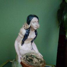 Antigüedades: FIGURA PORCELANA MODERNISTA - ANTIGUA - DE LA FIRMA - RAMÓN INGLÉS - VALENCIA. Lote 166167702