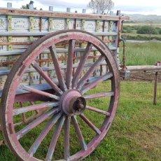 Antigüedades: ANTIGUO GRAN CARRO DE BUYES PARA FIESTA PINTADO A MANO. Lote 166198702
