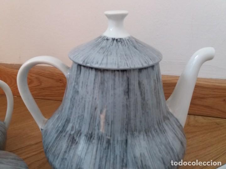 Antigüedades: Juego de café. Castro. Sargadelos. Galicia. Sello Dolmen. Porcelana fina. Pintada a mano. - Foto 3 - 166266526