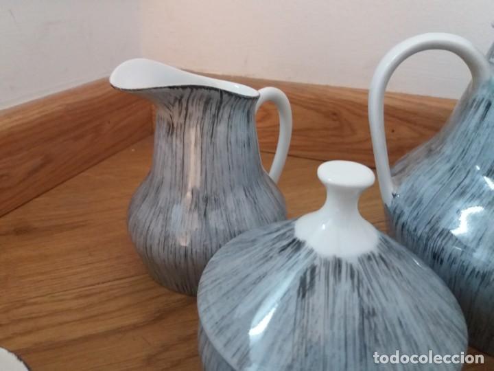 Antigüedades: Juego de café. Castro. Sargadelos. Galicia. Sello Dolmen. Porcelana fina. Pintada a mano. - Foto 4 - 166266526