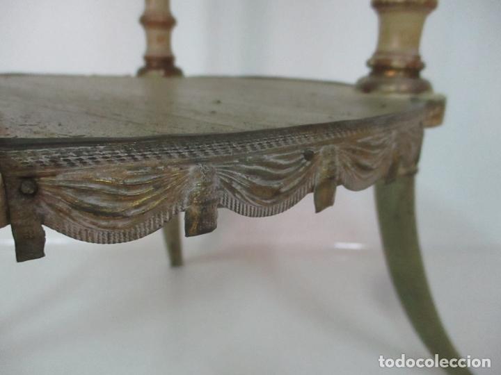 Antigüedades: Curiosa Mesa de Centro - Art Deco - Madera Policromada - Decoraciones en Bronce - Años 20 - Foto 4 - 166301922