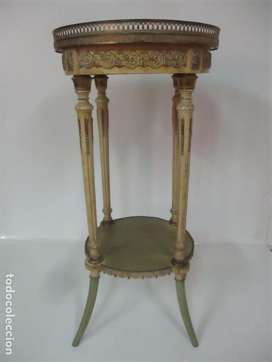 CURIOSA MESA DE CENTRO - ART DECO - MADERA POLICROMADA - DECORACIONES EN BRONCE - AÑOS 20 (Antigüedades - Muebles Antiguos - Mesas Antiguas)
