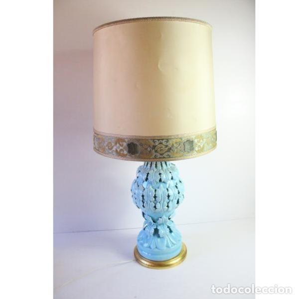 ANTIGUA LÁMPARA DE PORCELANA DE MANISES (Antigüedades - Iluminación - Lámparas Antiguas)