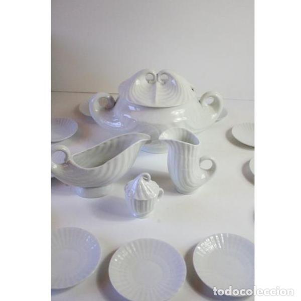 ANTIGUO JUEGO DE PORCELANA O CASTRO VAJILLA (Antigüedades - Porcelanas y Cerámicas - Otras)