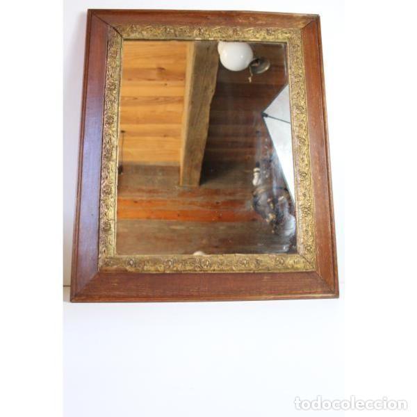 ANTIGUO ESPEJO CON MARCO DE MADERA (Antigüedades - Muebles Antiguos - Espejos Antiguos)