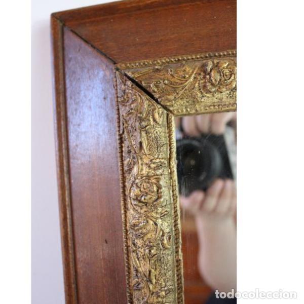 Antigüedades: Antiguo espejo con marco de madera - Foto 3 - 166320570