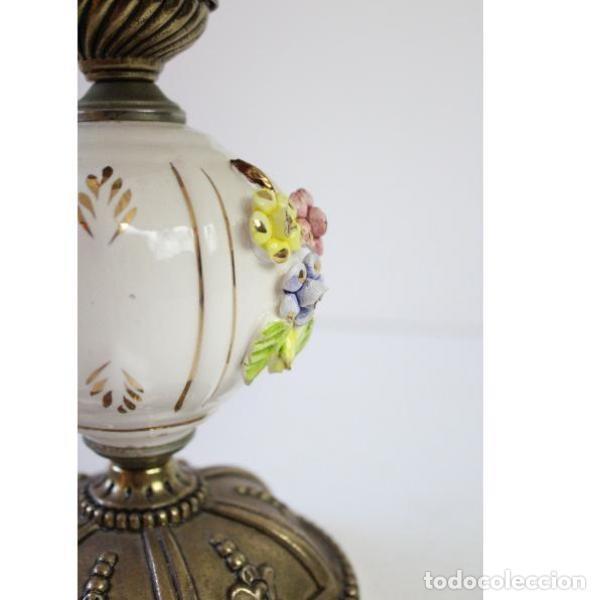 Antigüedades: Antigua lámpara de mesa de porcelana - Foto 4 - 166324238