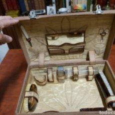 Antigüedades: MALETA ANTIGUA DE ASEO.. Lote 166343608